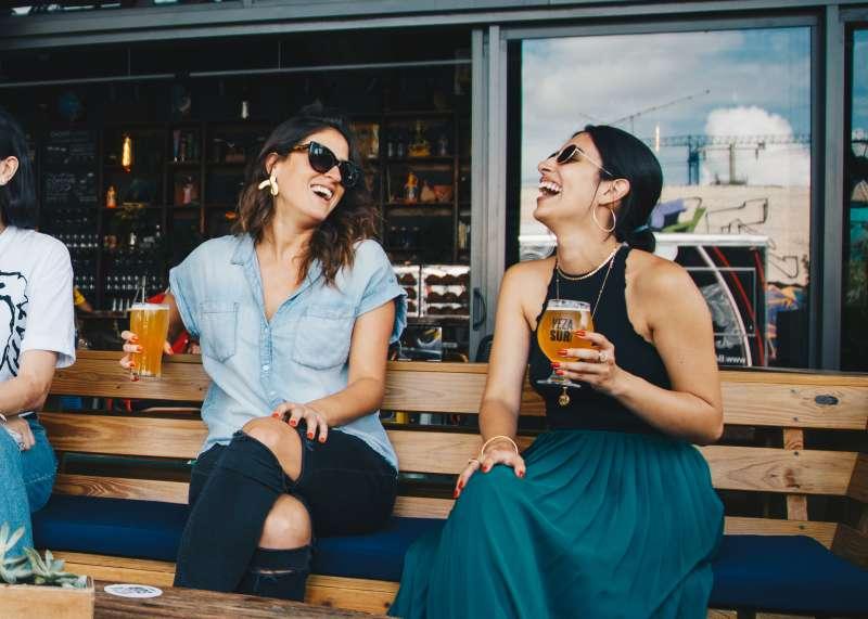 adult-alcoholic-beverages-bar