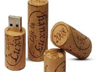 : des genres d'accessoires qui améliorent la structure des entreprises comme la clé USB avec logo qui est un objet innovant pour entreprises